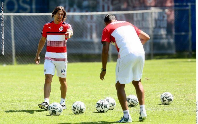 Carlos Salcido: Chivas ya disfruta de jugar futbol