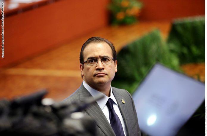 Recuperan mil 250 mdp robados a Veracruz