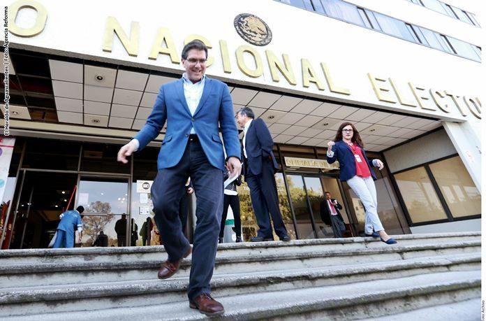 Ríos Piter logra firmas para ser candidato presidencial independiente