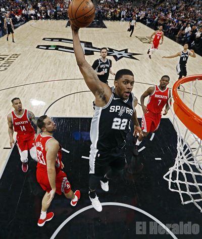 Los Spurs ganaron partido clave ante Houston